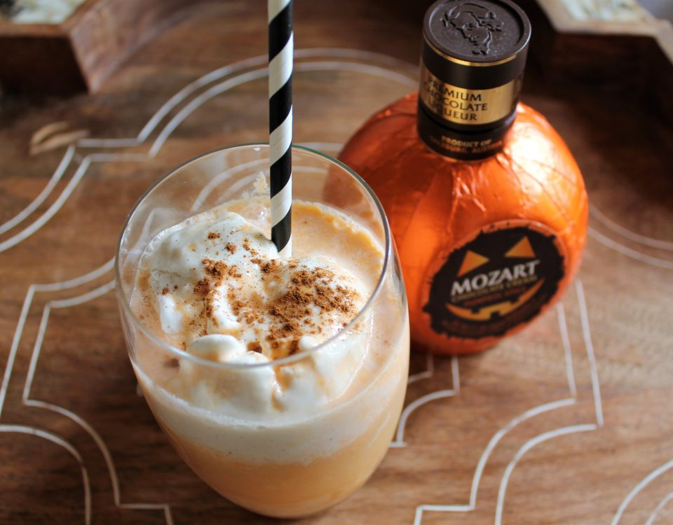 Chill out this fall with a Mozart Pumpkin Cider Float #mozartpumpkin