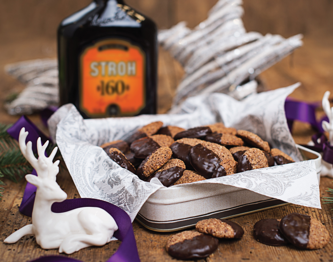 These chocolate rum cookies are sure to impress your guests. #Stroh160